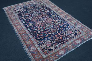 """Antique Persian handmade Sarouk Farahan rug 4' 2"""" x 6' 5"""" for Sale in Rockville, MD"""