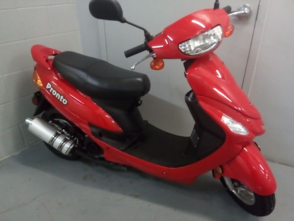 """2019 almost brand new 4 stroke moped """" pronto """""""