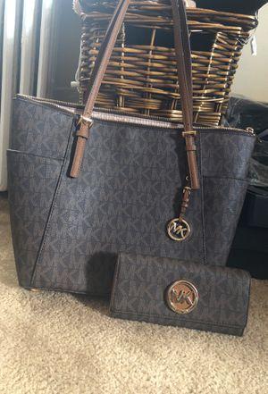 MK Bag & Wallet for Sale in MD, US