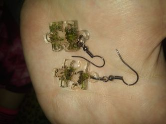 Custom-made novelty necklaces earrings bracelets and anklets Thumbnail