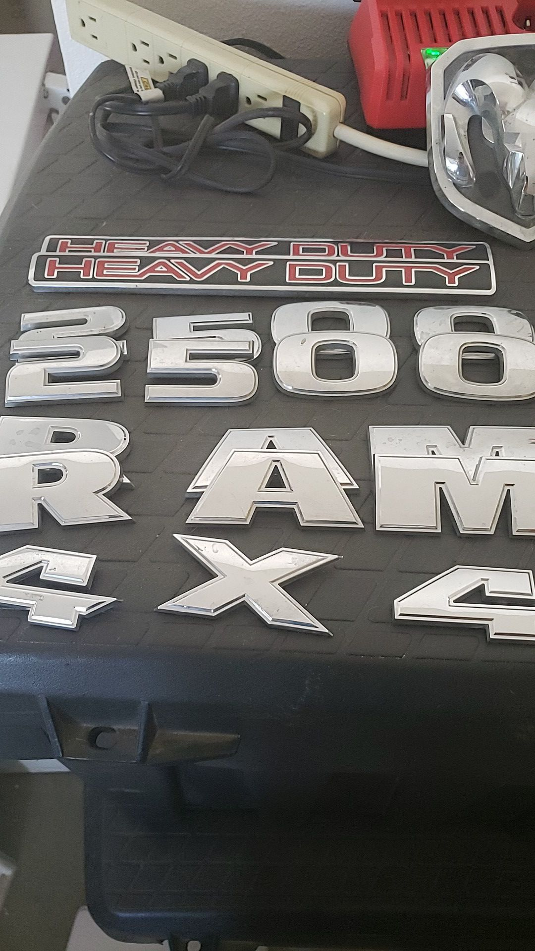 Ram 2500 emblems