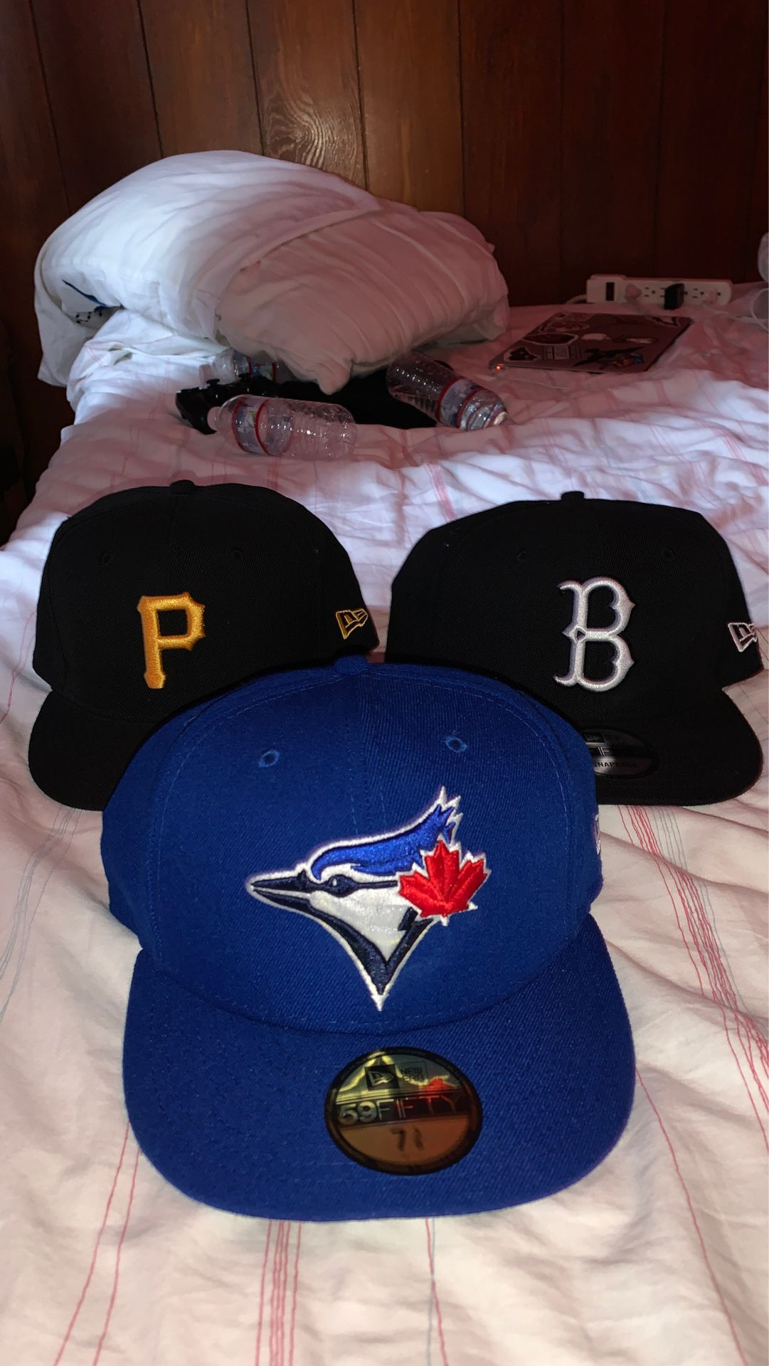 Pirates and brooklyn snapbacks/ blue jays fitted cap 7 3/8. Each $25