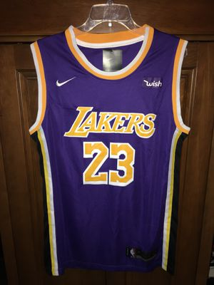 0720a6d32a8a Lebron James Irish High School jersey green gold M L for Sale in ...