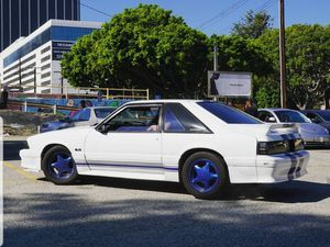 Photo 1979-1993 Ford mustang Foxbody Pony painted 16 Rims