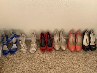 12 brand name pair of womans heels 6.5/7 Thumbnail