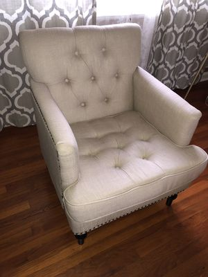 Tufted arm chair for Sale in Silver Spring, MD