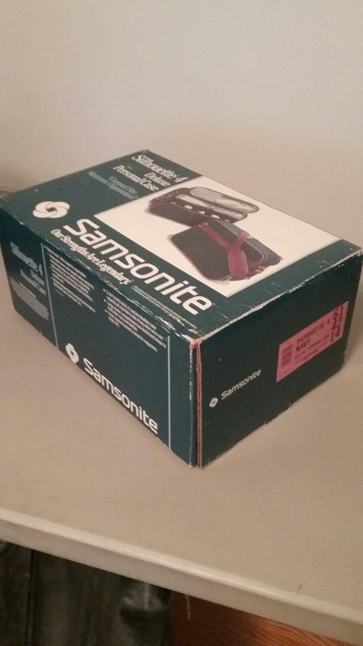 Brand New 1987 Samsonite Silhouette 4 Suitcase Bag