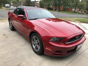 2013 Ford Mustang convertible for Sale in Dumfries, VA