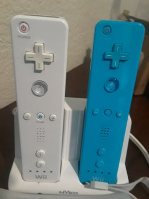 CONTROLES y tabla de wii for Sale in Rowlett, TX