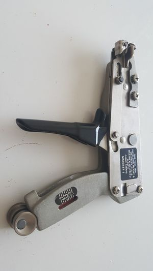Adjustable tension intalling tool for Sale in St Louis, MO