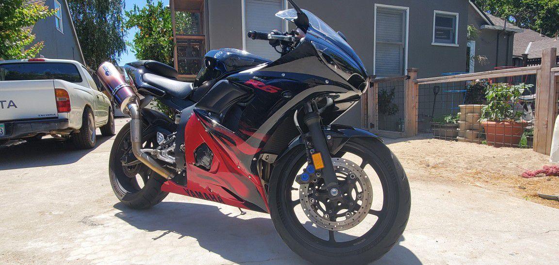 Photo 2003 Yamaha R6