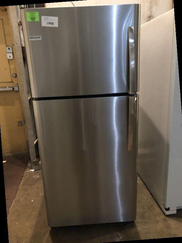 Frigidaire Top Freezer 🙈🍂⏰✔️⚡️🔥😀🙈🍂⏰✔️⚡️⚡️🔥😀🙈🍂⏰✔️⚡️ Appliance Liquidation!!!!!!!!!!!!!!!!!!!