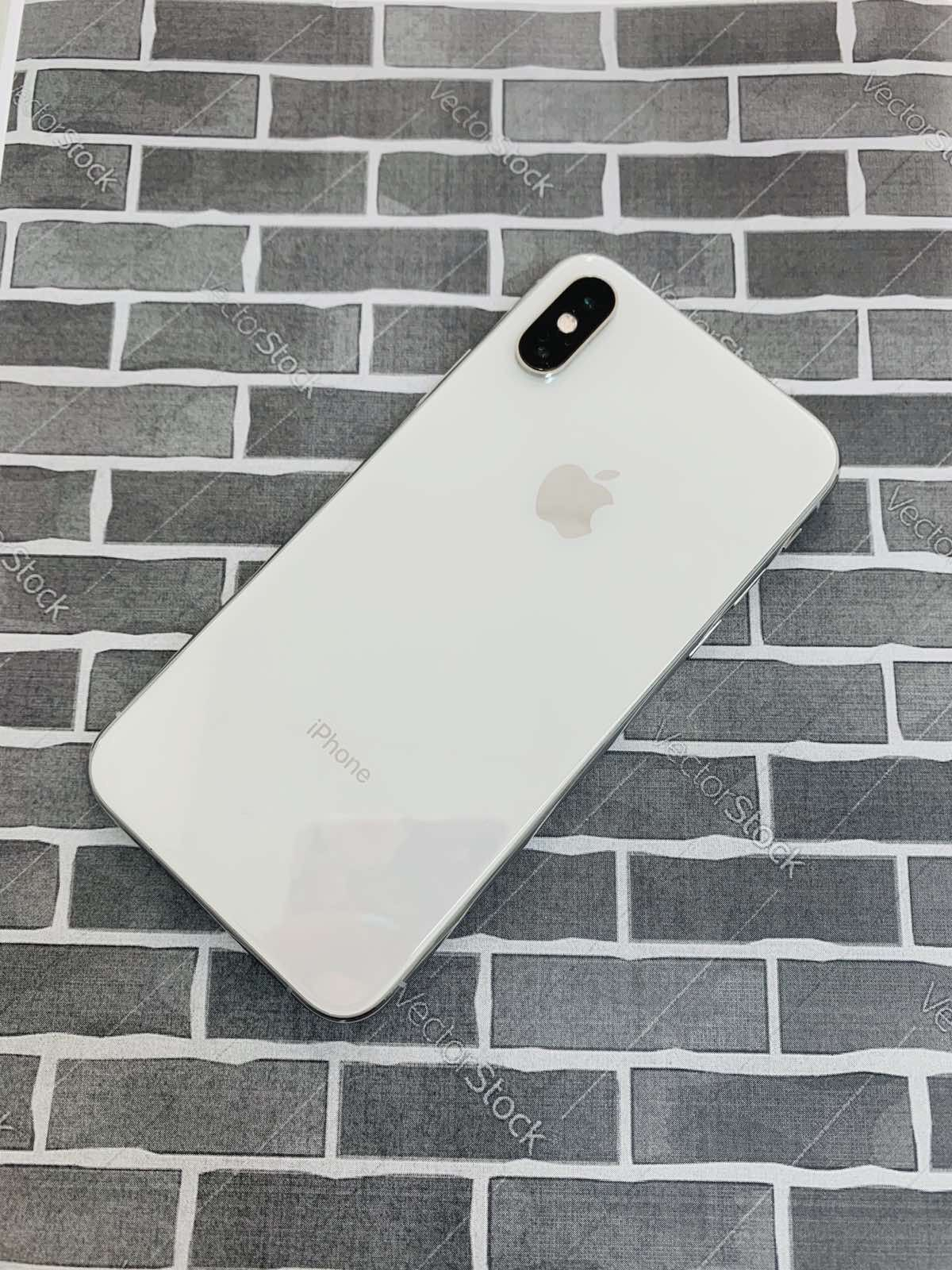 iPhone XS (64 GB) Excellent Condition With Warranty