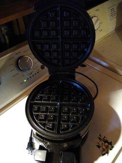 Double Waffle Iron Thumbnail