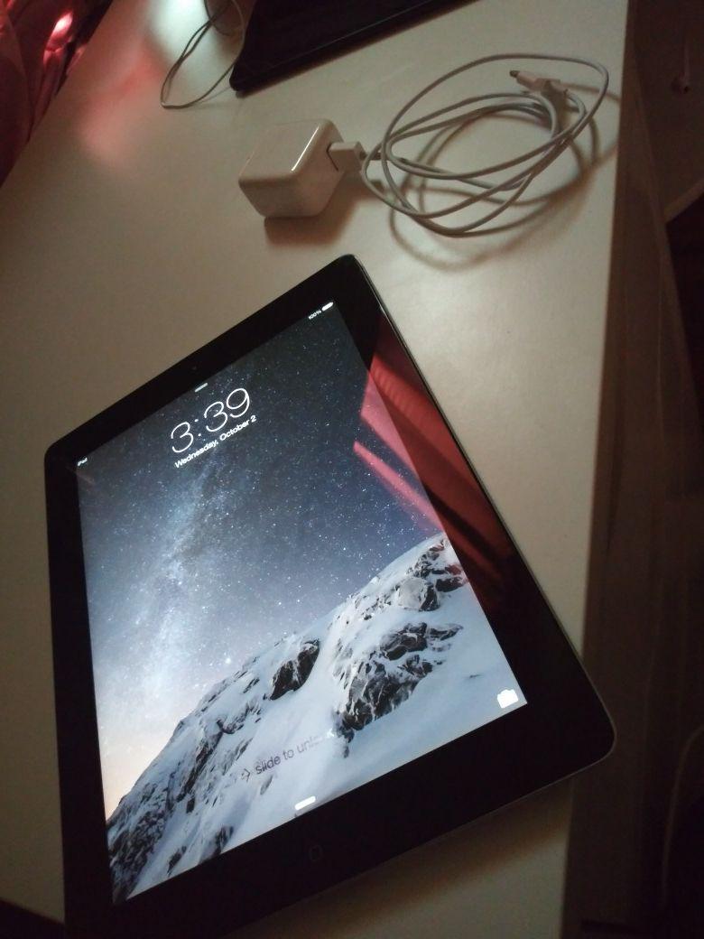 Apple IPad 3 like New