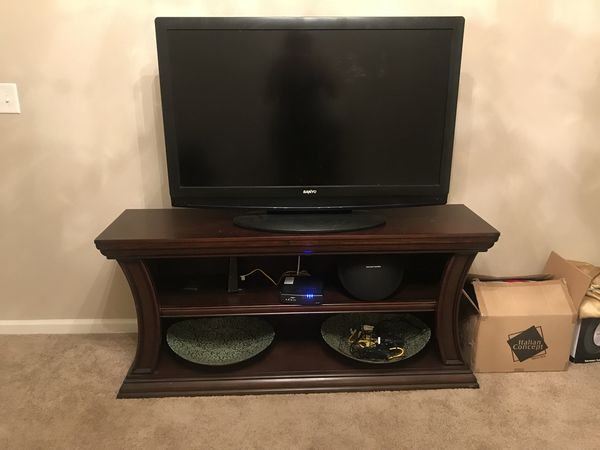 60 Inch Cherry Wood Tv Stand 100 Firm For Sale In Tampa Fl Offerup