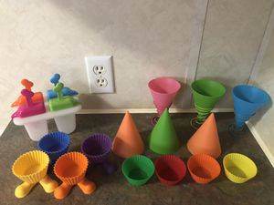 Photo Silicone snow cone cups and cupcake liners