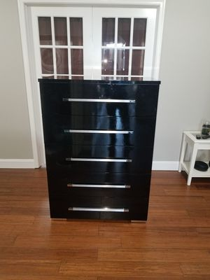 5 Drawer Dresser for Sale in Woodbridge, VA