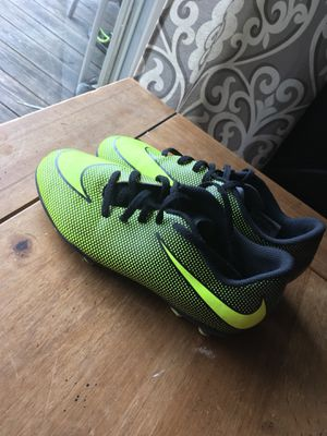nike cleats 4.5y for Sale in Silver Spring, MD