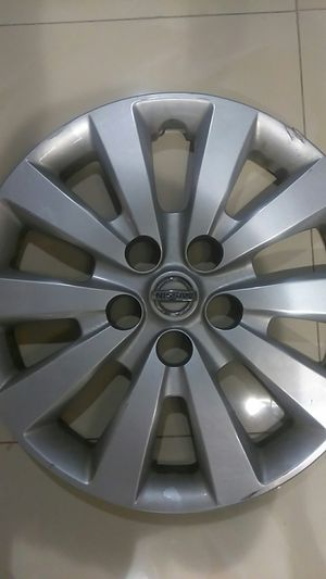 Nissan hubcap 17in for Sale in West Palm Beach, FL