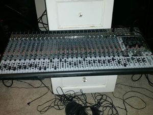 32ch EURODESK Sx3242 FX for Sale in Fort Washington, MD