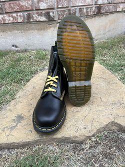 Doc Martens 1460 Pascal Black Leather Boots Women's Size 9/ Men's Size 8 Thumbnail