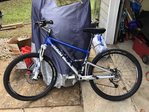 Giant anthem mountain bike blue for Sale in Silver Spring, MD
