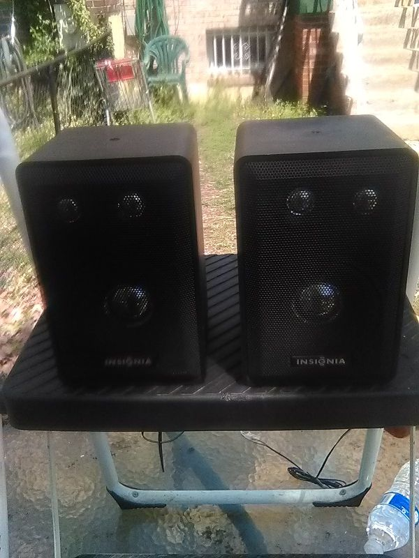 100 Watts 3 Way Insignia Bookshelf Speakers Audio Equipment In Washington DC