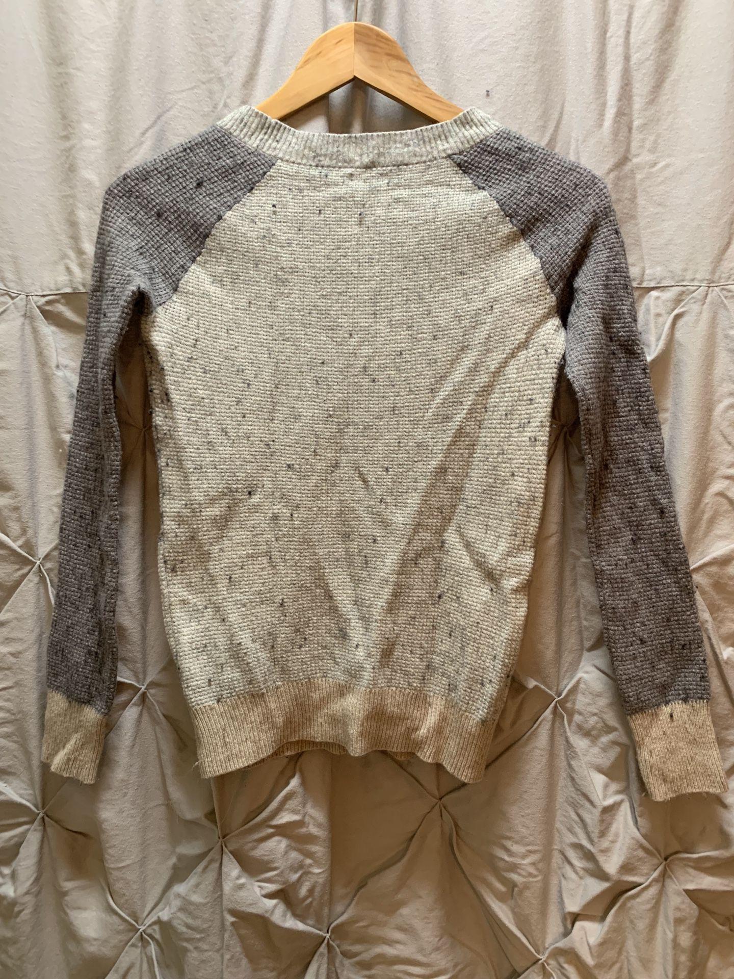 Women's J Crew sweater size: xs