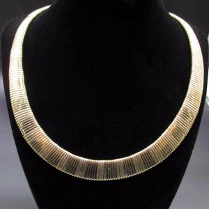 Vintage 19 Inch Stunning Unique Gold Tone Necklace Costume Jewelry Fashion Statement Wedding Bohemian Elegant Bridal Theater Trendy Casual for Sale in Lynnwood, WA