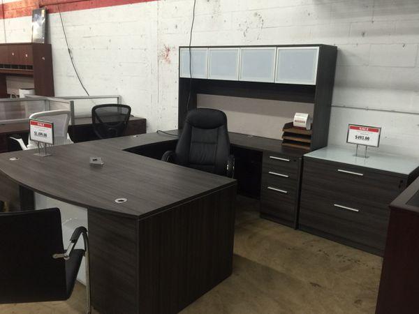 Executive U-Shaped Desk, Oxford Gray for Sale in Hialeah, FL - OfferUp
