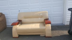 Curb alert ... Free sofa for Sale in Nokesville, VA