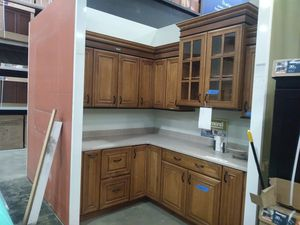 Diamond kitchen cabinets with counter top for Sale in Lanham, MD