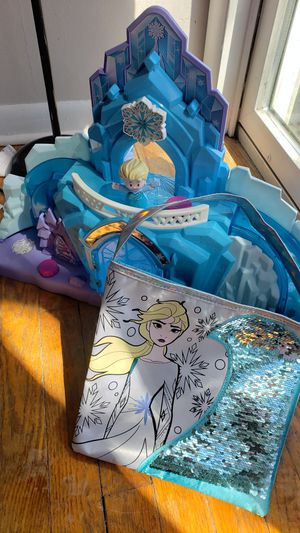 Photo Disney's Frozen Castle,Sequin Purse and Figure