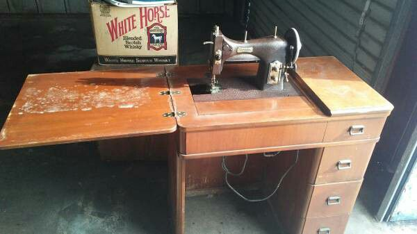 Vintage Domestic 153 Rotary Electric Sewing Machine W