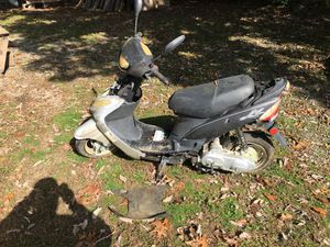 Gas powered scooter for Sale in Keysville, VA