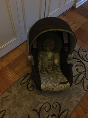 Snugride 30 click connect car seat for Sale in Washington, DC