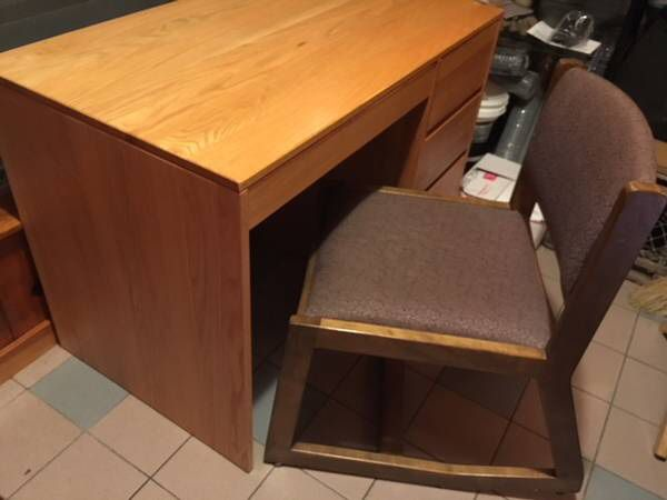 solid oak desk and chair student desk sturdy for sale in arlington