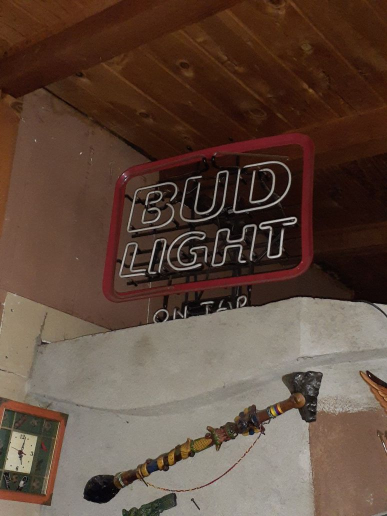 Bud light bar light