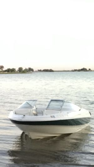 Bayliner 00 v6 Nice boat run fast ! Only 6.000 for Sale in San Francisco, CA
