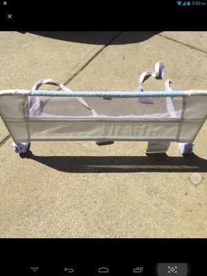 Toddler bed rail for Sale in Columbus, OH