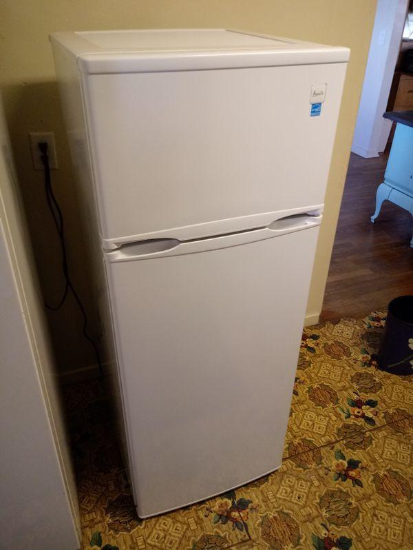 Avanti Two Door Apartment Size Refrigerator for Sale in Emmett, ID - OfferUp