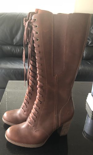 Timberland Waterproof Size 8 All Leather Lace up Boots for Sale in Seattle, WA