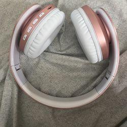 Wireless headphones Thumbnail