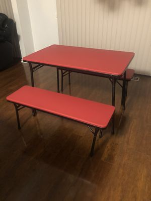 Photo Small Cosco table, used 1 time