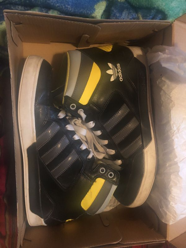 promo code eb5c5 3d50a Adidas hard court 2 size 8 in a half