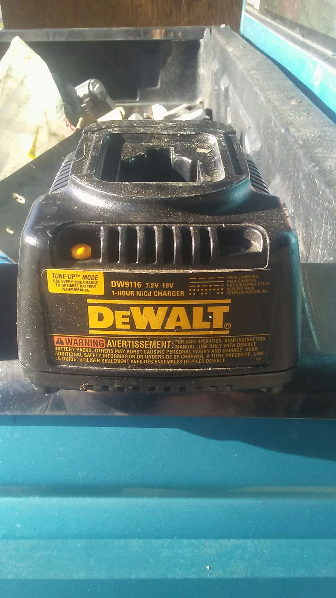 18v charger dewalt