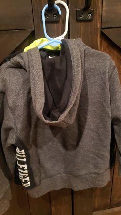 Boys sweaters size 5 & 6 Thumbnail