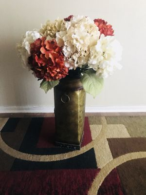 Vase with fake flowers painting for sale in palm springs ca offerup vase for sale in palm springs ca mightylinksfo