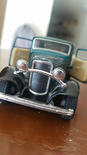 """1 34 Scale 1/34 5"""" 1932 Ford 3 Window Coupe Diecast Model Car Forest Green for Sale in Fairfax, VA"""